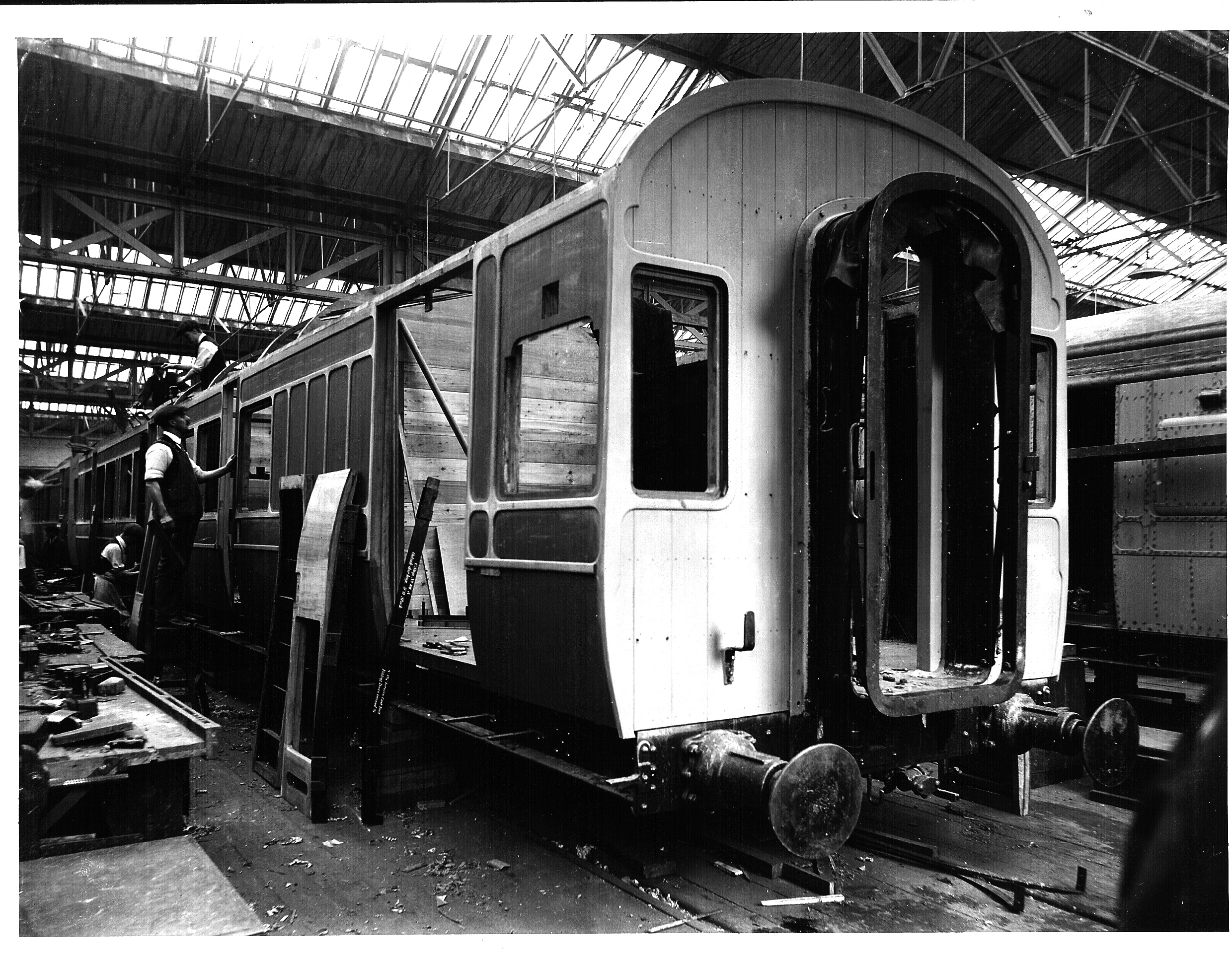 Carriage building midland railway style for Carriage style